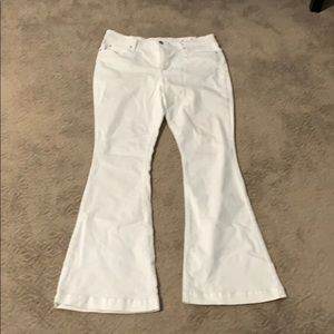 White flare jeans. 14/32